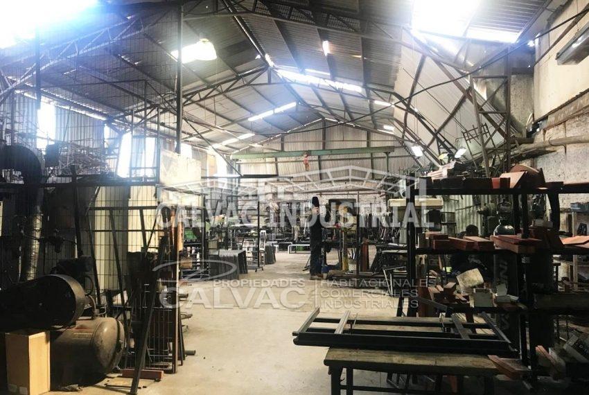 Se-vende-propiedad-industrial-con-Galpon-en-Cerro-Navia-2