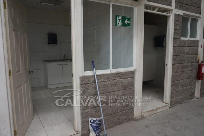 arriendo-de-excelente-galpon-industrial-con-oficinas-en-quilicura-8